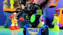 Teenage Mutant Ninja Turtles TMNT Leonardo Gets A Police Officer Job And Arrest Shredder