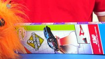 Hot Wheels KidsPicks JUMP track ramp for Stunts with Race Cars Toy Review ToysRus Mattel