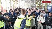Carhaix. Une soixantaine de lycéens mobilisés contre la loi Travail