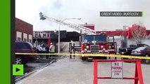 Chicago : les pompiers luttent contre un incendie qui engloutit le marché aux puces