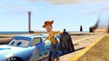 Batman & Woody (Toy Story) font des sauts et des cascades avec Flash McQueen (Cars 2)   Dessin animé