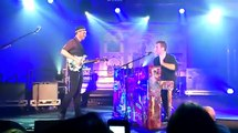 Charlie Brown - Chris Martin and Jonny Buckland - Coldplay - Little Noise Sessions 24/11/2011