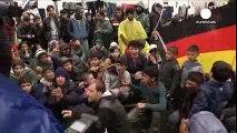 Προσφυγική κρίση Κλειστός ο βαλκανικός διάδρομος - Απελπισία στην Ειδομένη