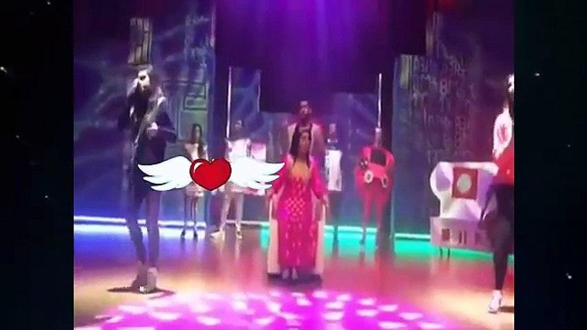 حلا الترك تتكلم عن سبب بكائها في المسرح على أغنية الام