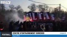 Foot : Les Ultras parisiens bloquent le bus du PSG !