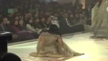 A Model Fell Down badly During Cat Walk for Bridal Couture Week Lahore