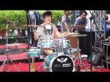 S. White - Kimi Ga Suki Da To Sakebitai (Slam Dunk OP1) @HyperX Demo at Computex 2015 (Stabilized)