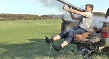 Dingue : il enlève ses chaussettes avec un lance-roquette