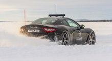 Conduite sur glace : on a piloté une Maserati sur un lac gelé de Suède [STAGE]