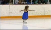 Quando esta menina põe os pés no gelo ficou tudo em choque, mas veja bem o que ela faz!!