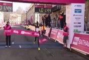 Semi-marathon: le vainqueur se prend une grosse gamelle sur la ligne d'arrivée