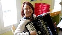 Tatiana Lionard a l'accordéon qui la démange
