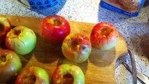 Lekkere Appelbollen maken met Floris. Floris makes delicious apple balls