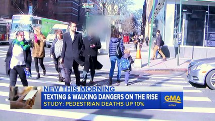 Texting and Walking Leads to Spike in Pedestrian Deaths
