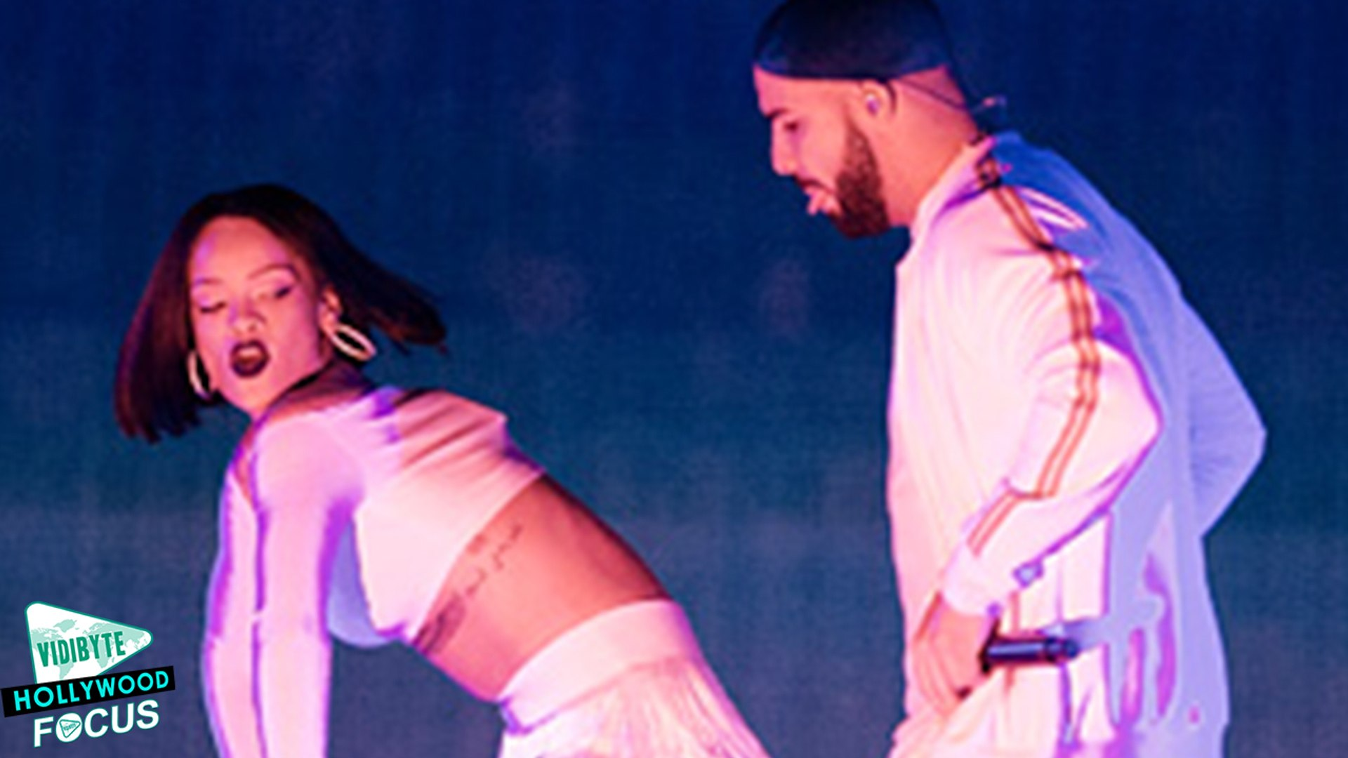 Drake Joins Rihanna During 'Anti' Tour for 'Work' Performance - Watch