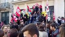 Manifestation devant le lycée Victor Hugo à Poitiers