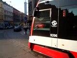 Zkušební jízda tramvaje Škoda 15T v zastávce Náměstí Bratří Synků