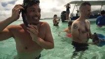 Séance photo d'Irina Shayk sexy en bikini au milieu des raies et requins