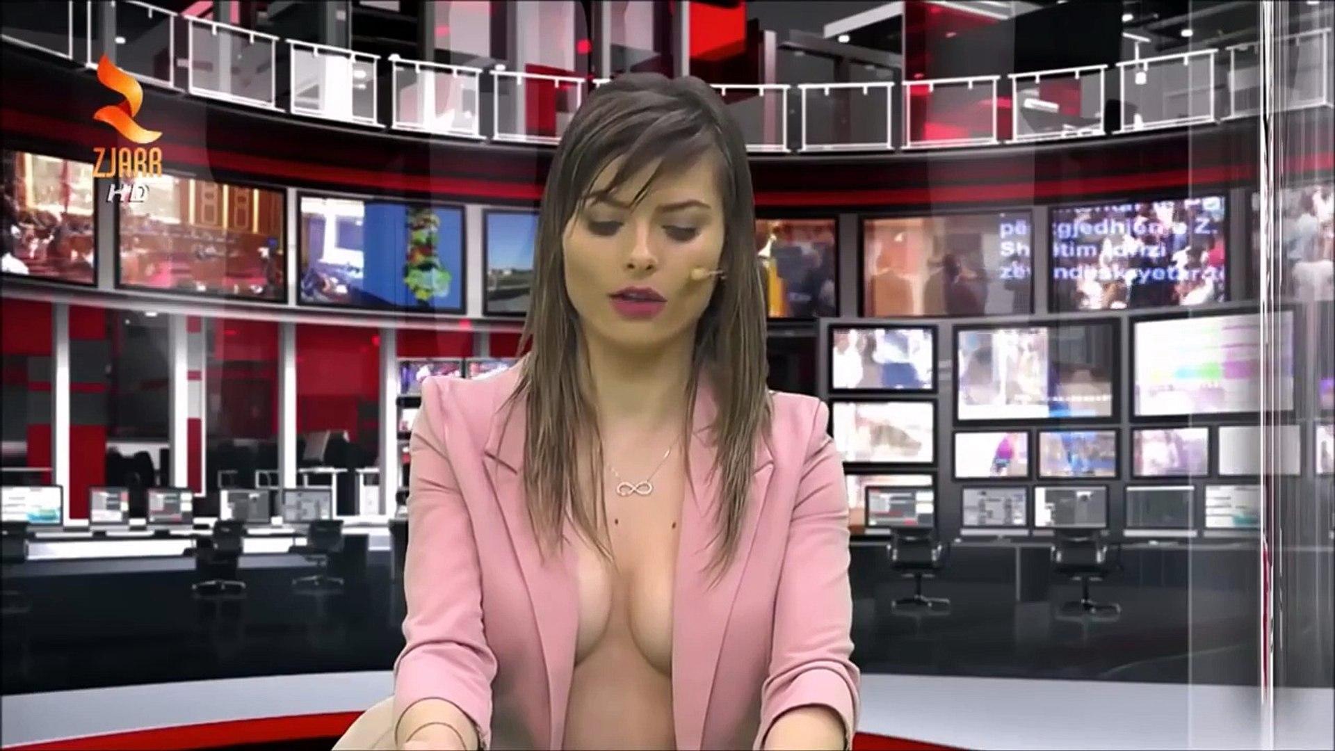 Fran Meric Desnuda greta sexy albanian tv news 21/01/2016 topless and pink vest deep cleavage