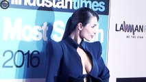 Malaika Arora Khan shows cleavage @ HT Most Stylish Awards 2016