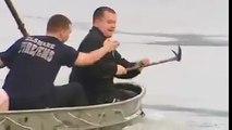 Un chien piégé dans un lac gelé secouru par des hommes