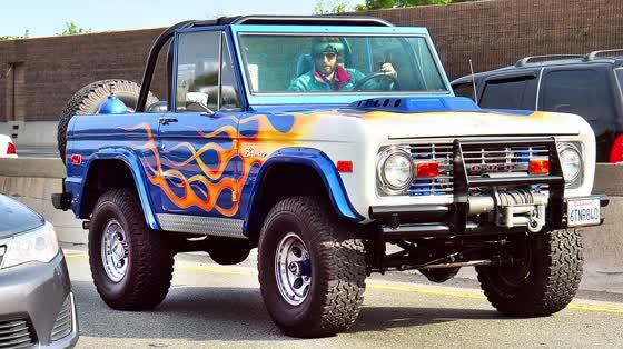 Jared Leto zeigt seinen Ford Bronco