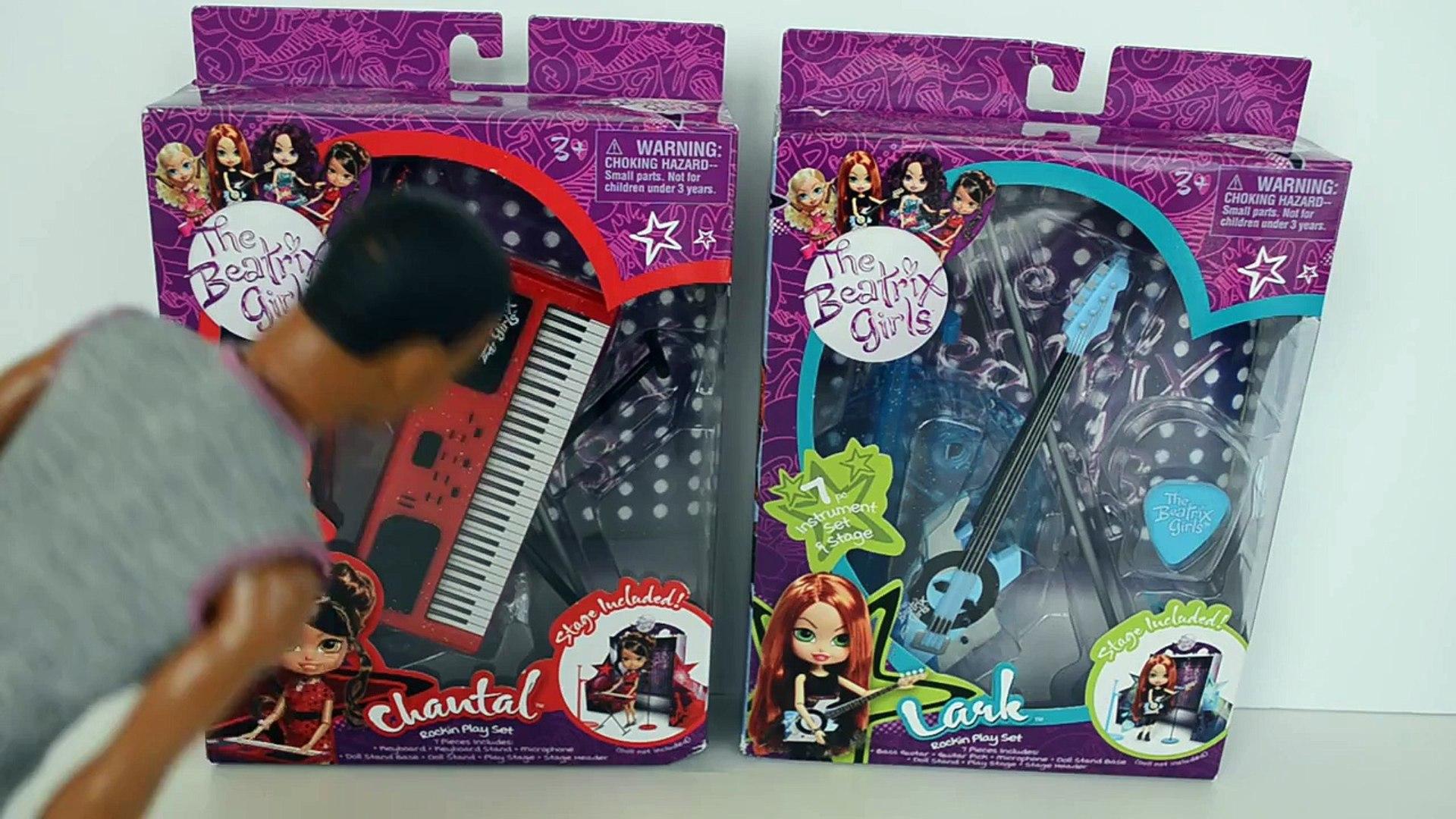 Barbie vende guitarra e teclado Para Ken e Dudu montar Super Banda Completo Em Portugues