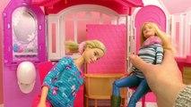 Barbie Glam Maison de vacances | Appartement avec 3 chambres et plein de petits accessoire