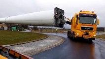 Faire passer une éolienne de 73 mètres dans un rond-point