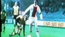 Johan Cruyff falleció y así recordamos sus mejores jugadas