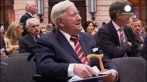 Deutschlands Altkanzler Helmut Schmidt stirbt im Alter von 96 Jahren