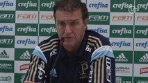 Cuca diz que Palmeiras vai se recuperar 'sendo macho' e promete briga por título