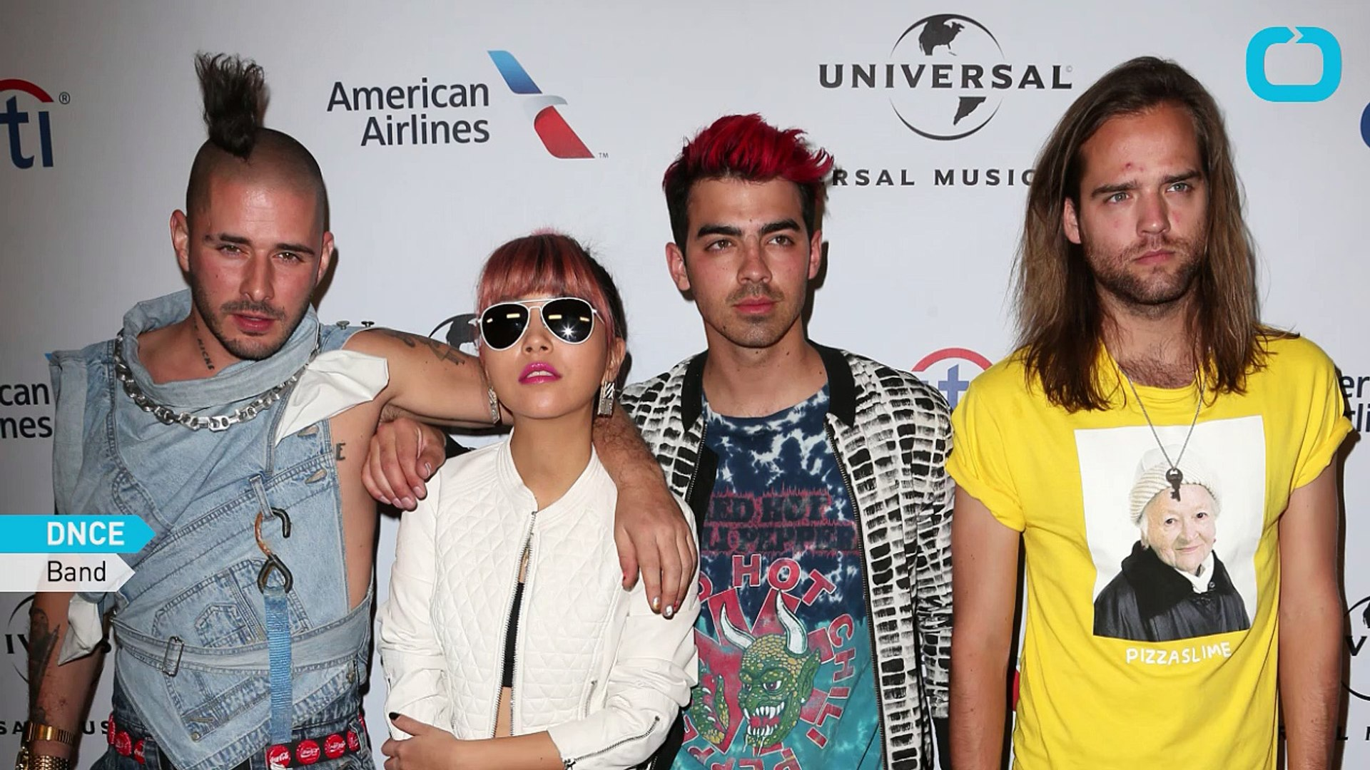 Hailee Steinfeld Joe Jonas In New Music Video Video Dailymotion