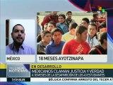 """México: padres de los normalistas realizan """"Viacrucis por los 43"""""""