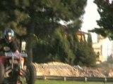Stunt moto quad wheeling arriere