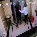 Un chinois ivre défonce la porte d'un ascenseur et chute dans le vide