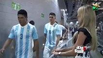 Messi ignora a la Sexy periodista Inés Sainz // Messi ignores sexy jornalist Inés Sainz