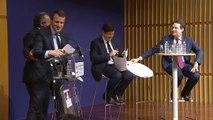 Archive - Emmanuel Macron, Patrick Kanner et Matthias Fekl signent le contrat de filière sport