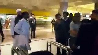 Junaid Jamshed gets beaten up at Islamabad Airport