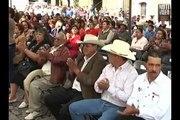 En Charo, alcalde perredista asumió la presidencia