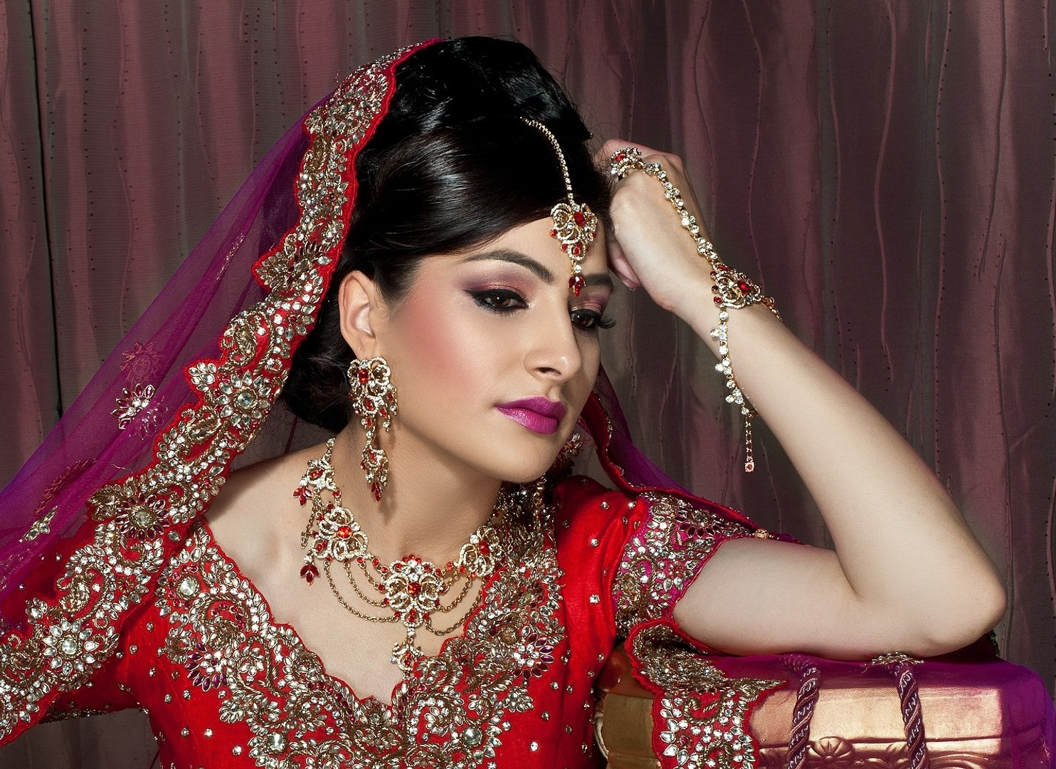 indian-bollywood-south asian bridal makeup - start to finish i pakistani  and indian bridal makeup i indian bridal hairstyles ideas i best indian  bridal makeup tips i bridal makeup artist i indian