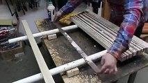 Cette homme et un vrai artiste avec son savoir faire de mosaique en Supports bois