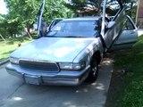 92 Buick roadmaster  lambo doors banging