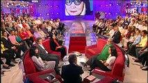 """Quand Jean-Pierre Coffe, Nana Mouskouri et Michel Drucker échangeait leurs lunettes dans """"Vivement dimanche"""" - Regardez"""