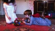 Les malheurs de Sophie : La Grande Sophie & La petite Sophie (Caroline Grant) - Tout tombe