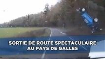 Sortie de route spectaculaire enregistrée par une caméra embarquée
