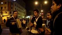 Manifestación en Pedro de Valdivia con Irarrazaval