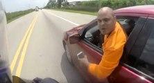 Un conducteur fou à la poursuite d'un motard sur les routes de Floride