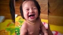 Ce bébé plié de rire quand maman fait Bouh!!!!