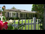 Daniel Bryan plays a trick on houseguest Nikki Bella- Total Divas- July 28_ 2015